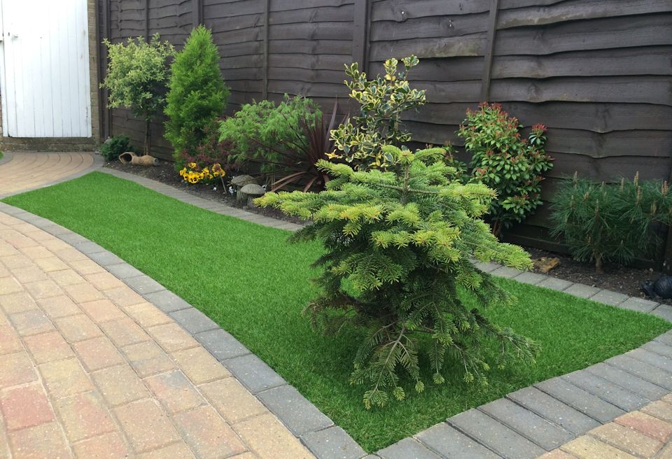 Artificial Grass Norwich - New artifical grass with inset planting
