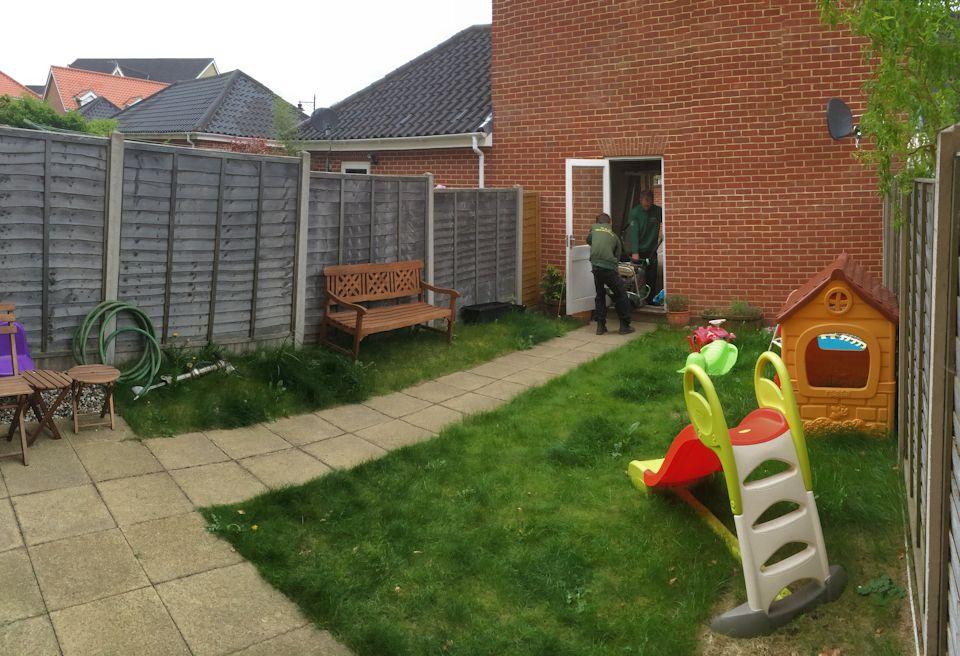 Low maintenance garden design norwich norfolk mn for Garden maintenance work