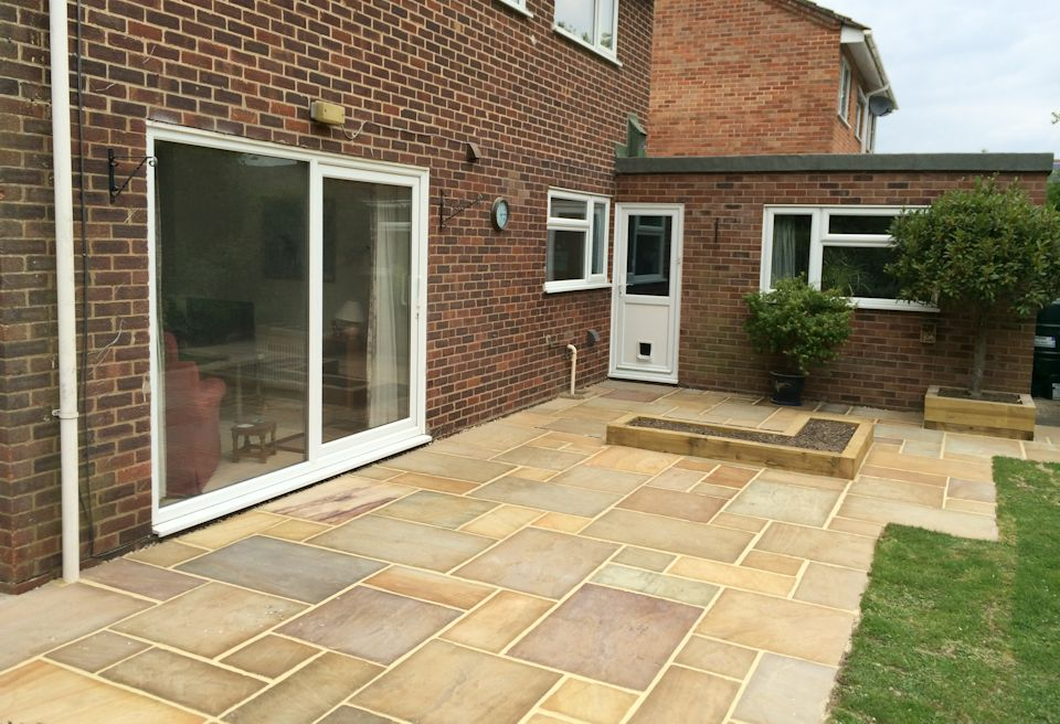 Beau ... New Patio And Planters Norwich   Stepped Edge To The Existing Lawn ...
